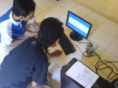 Zain dan Afgan (Afrie Ganteng) kolaborasi instal salah satu PC