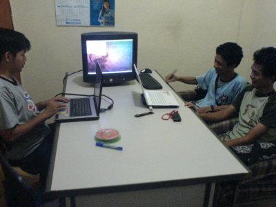 Abi, sedang sharing materi gado-gado Instalasi Joomla di Ubuntu beserta Konfigurasi Web Server dan Cicip Ubuntu 9.04